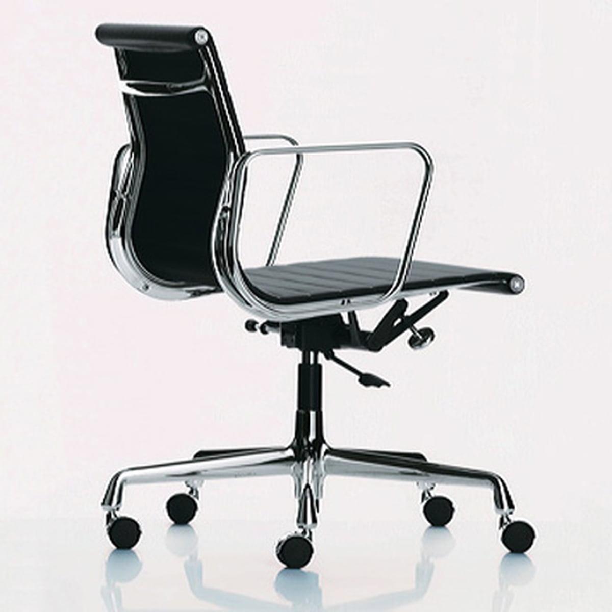 Eames Ea 117 Bureaustoel.Vitra Aluminium Group Ea 117 Bureaustoel Connox