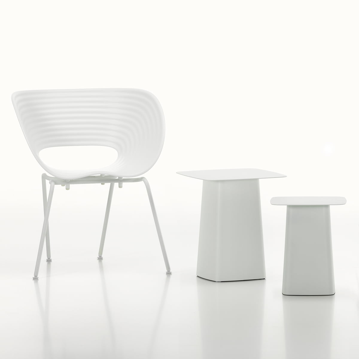 Witte Side Table.Vitra Metal Side Table Outdoor Klein Zacht Licht