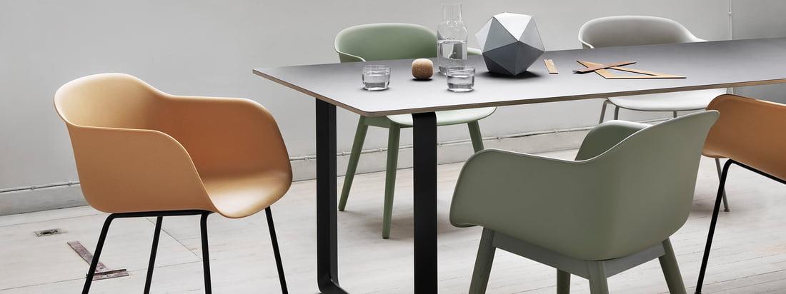 Muuto is een junges Unternehmen, das für klassisches skandinavisches Design steht. Muuto-Produkte, wie der Fiber Chair oder die Dots Wandhaken, sind sehr gefragt.