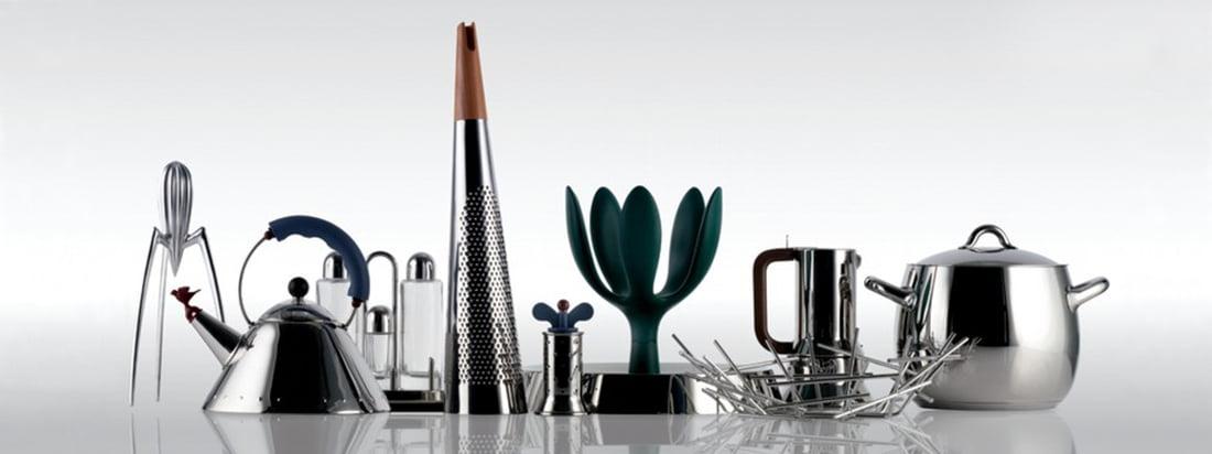 Koop producten van de Italiaanse fabrikant Alessi zoals waterkoker, pepermolen en fruitmand in de designwinkel. Hier vindt u keukengerei van hoge kwaliteit, gemaakt van roestvrij staal.