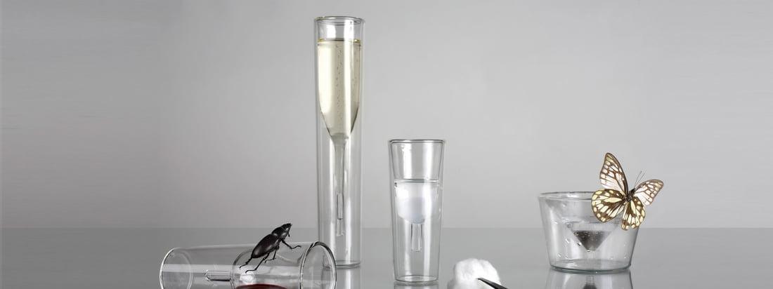 De glazen van Charles & Marie onderscheiden zich van de gebruikelijke brillen. Het InsideOut Champagne glas en het Martini glas zijn binnenstebuiten gekeerd.