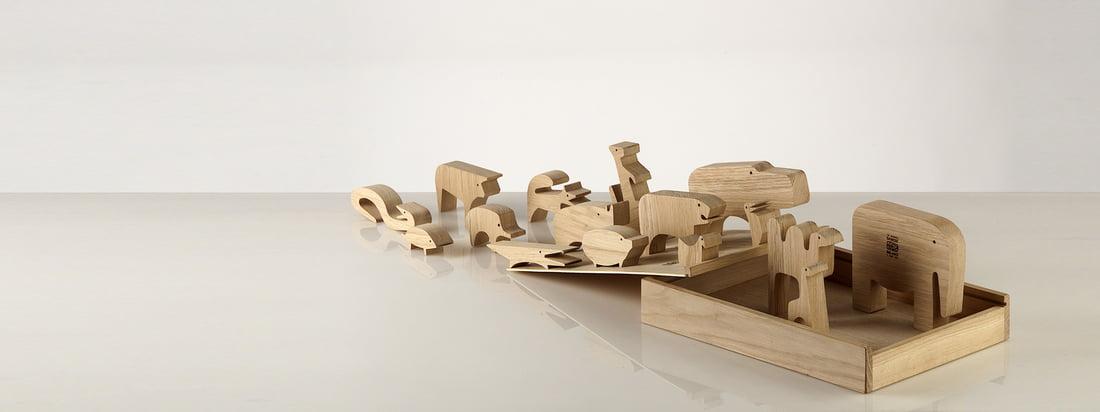 Danese Milano is een Italiaans ontwerpbureau. De houten puzzel Sedici Animali is samengesteld uit kleine houten dieren, waardoor een totaalplaatje in de doos ontstaat.
