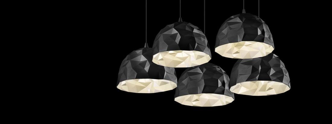 Het merk Diesel Living produceert lampen en meubels. Het ontwerp van de Rock Pendant Light is geïnspireerd op een steen en maakt indruk met verschillende tinten.