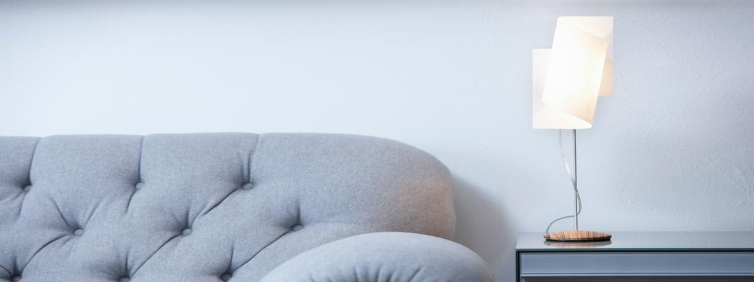 Domus is een Duitse fabrikant van lampen. Door de spiraalvormige en doorschijnende kap is de Loop Table Lamp de blikvanger in uw woonkamer. Verkrijgbaar in de winkel!