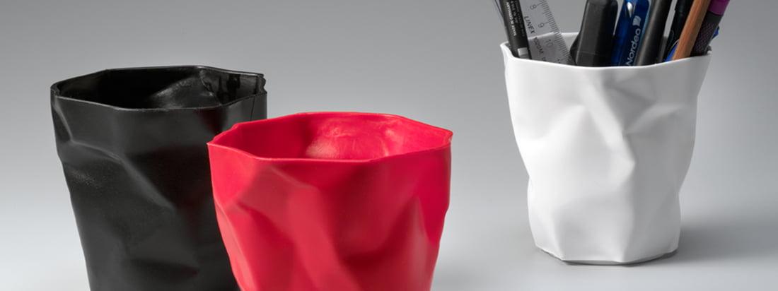De Deense fabrikant Essey staat bekend om zijn Bin Bin Bin Bin Afvalpapierbak. De plastic mand doet denken aan verkreukeld papier. Verkrijgbaar in de designwinkel.