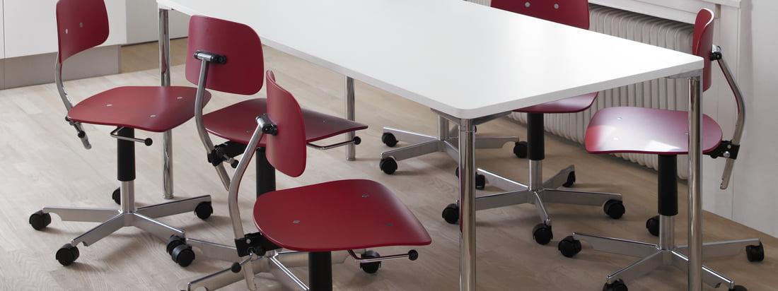 Engelbrechts is een Deense fabrikant van meubels. De Kevi 2003 Office Chair bestaat uit een compacte zitting van hout en een kruisvoet van aluminium.