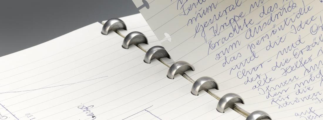 Het Atoma Notebook: Dankzij een slim systeem kan het papier snel en eenvoudig worden meegenomen en toegevoegd. De speciale notebooks zijn verkrijgbaar in DIN A5 of DIN A4.