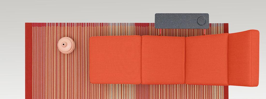 Het Nederlandse bedrijf Danskina produceert moderne en hoogwaardige tapijten. Het tapijt heeft een kleurrijk patroon en kan gecombineerd worden met een rode zitting. Verkrijgbaar in de winkel!