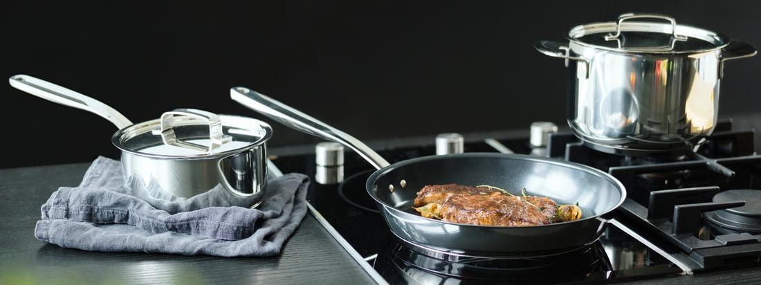 Koop hoogwaardig kookgerei van de Finse fabrikant Fiskars in de online shop - bijvoorbeeld pan en pot uit de All Steel collectie. Geschikt voor professionele en hobbykoks.
