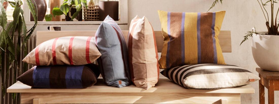 ferm living staat niet alleen bekend om de keukengerei en bureauaccessoires, maar de fabrikant heeft ook een breed scala aan kussens en dekens om de feel-good factor in uw eigen vier muren te verhogen.