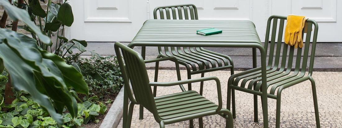 Groepsimago van de Palissade collectie van Hay Elegant tuinmeubilair dat uw buitenruimte transformeert en functionele en esthetische aspecten combineert.