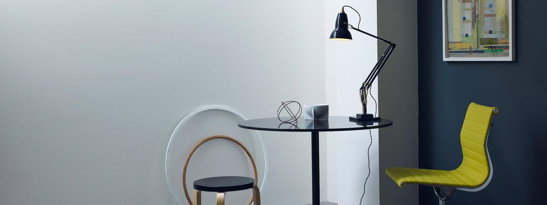Anglepoise produceert praktische en eenvoudige lampen. De fabrikant is vooral bekend om zijn 1227 bureaulamp die mooi en aangenaam licht op uw bureau werpt.
