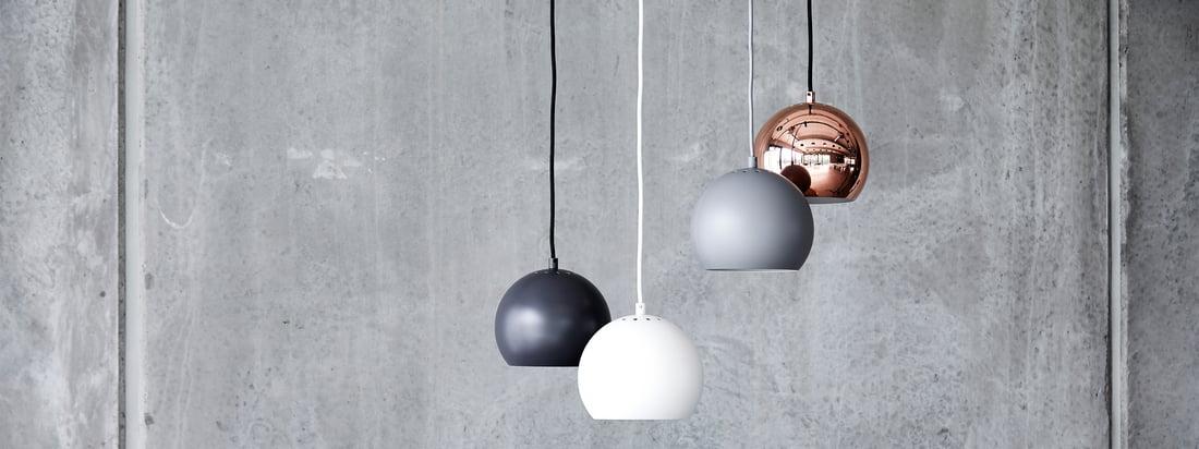 De Ball lampenserie is een tijdloze klassieker van Scandinavisch verlichtingsdesign. Het oorspronkelijke ontwerp, dat in 1986 door Benny Frandsen werd ontworpen, had een eenvoudig doel: licht brengen in de duisternis, en dat op een stijlvolle manier.