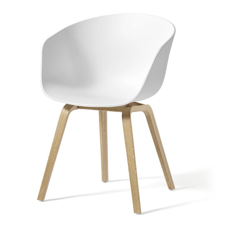 About A Chair AAC 22 van Hay in gezeept eiken / wit