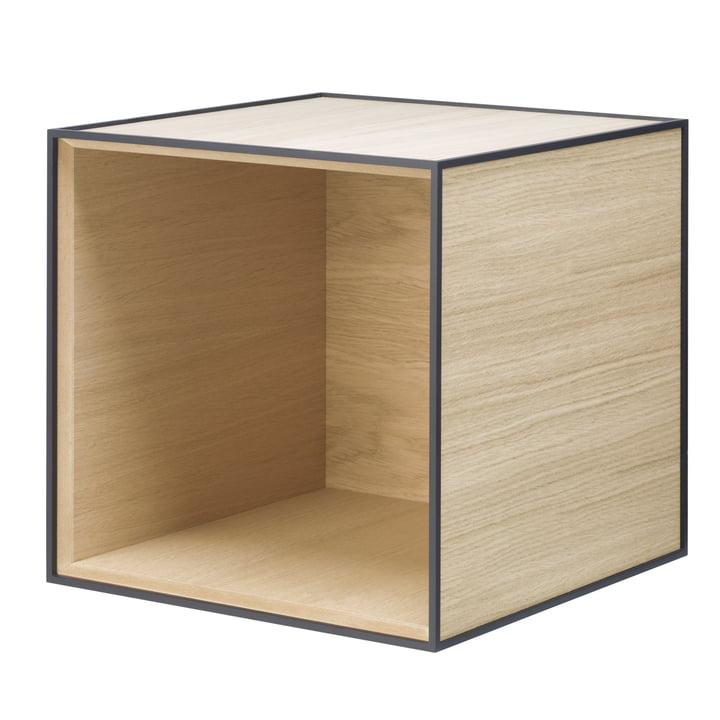 Frame wandkast 35 van Lassen in eikenhout door Lassen