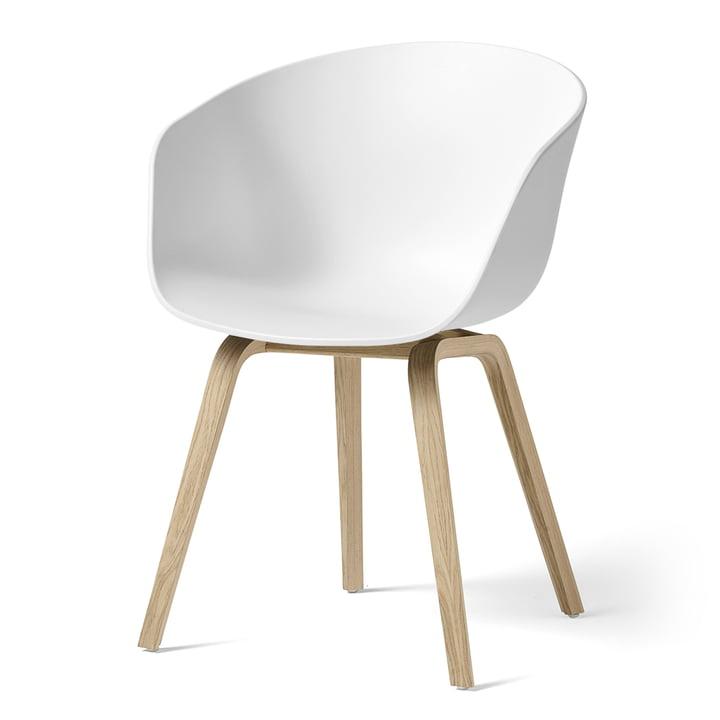 About A Chair AAC 22 van Hay in mat gelakt eiken / wit