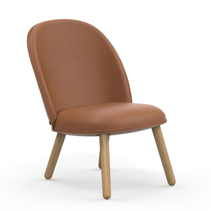 Ace Lounge Chair van Normann Copenhagen in eikenhout / brandewijn (Ultra Leather 41574)
