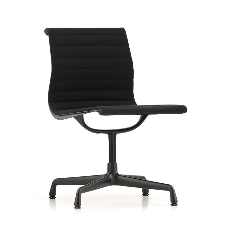 EA 101 stoel in diep zwart gecoat door Vitra in Hopsack nero (viltglijder)