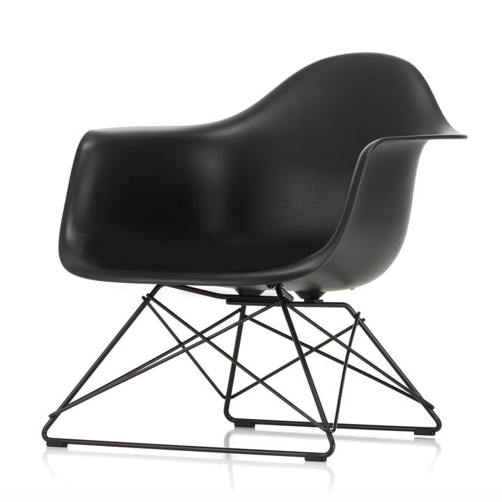 Eames Kunststof fauteuil LAR van Vitra in basic dark / diep zwart