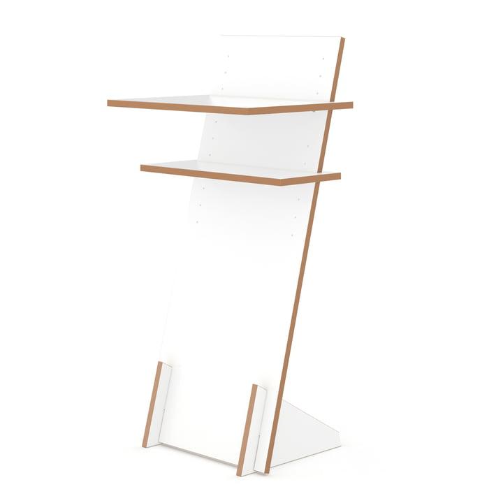 lessenaar staand bureau van Tojo in het wit