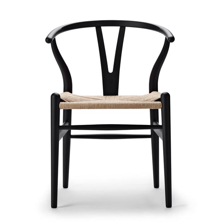 CH24 Wishbone Chair van Carl Hansen in zacht zwart / natuurlijk vlechtwerk