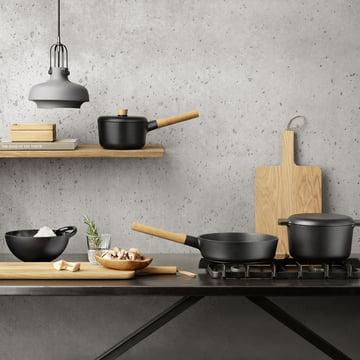 Sautier pan, braadpan, braadpan, steelpan en mengkom uit de Nordic Kitchen collectie van Eva Solo.