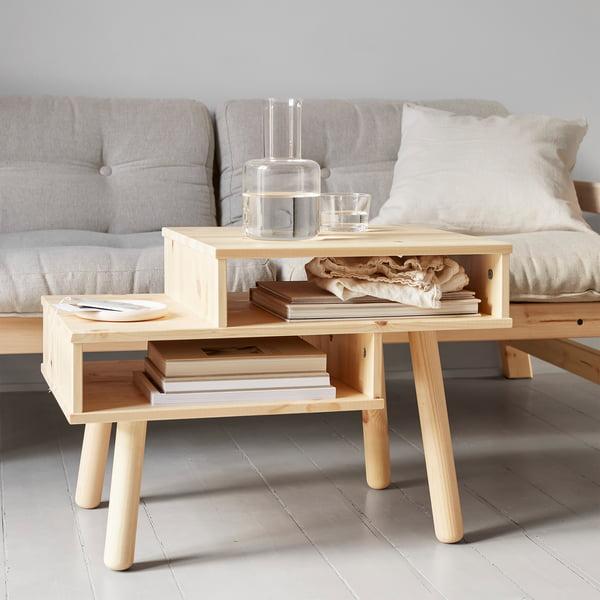 Hako salontafel in de natuur door Karup Design in de voorkant van de bank
